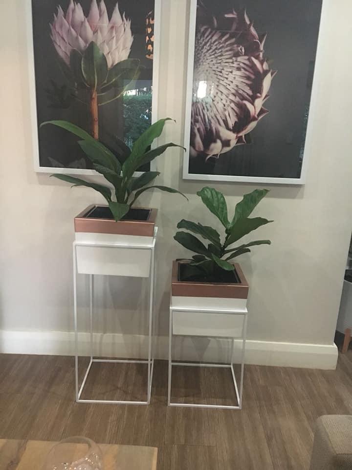 Metal Pot Stand